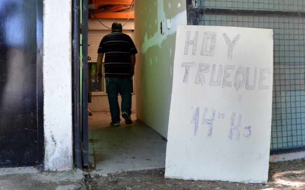 """En Bahía Blanca volvieron los """"clubes del trueque"""""""