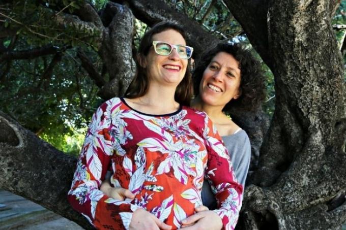 Fallo reconoce «licencia por maternidad» a madre no gestante y cuestiona ley 10.430