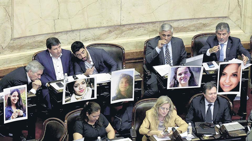 """Diputados aprobó la """"ley Micaela"""" para la formación en perspectiva de género en el Estado"""